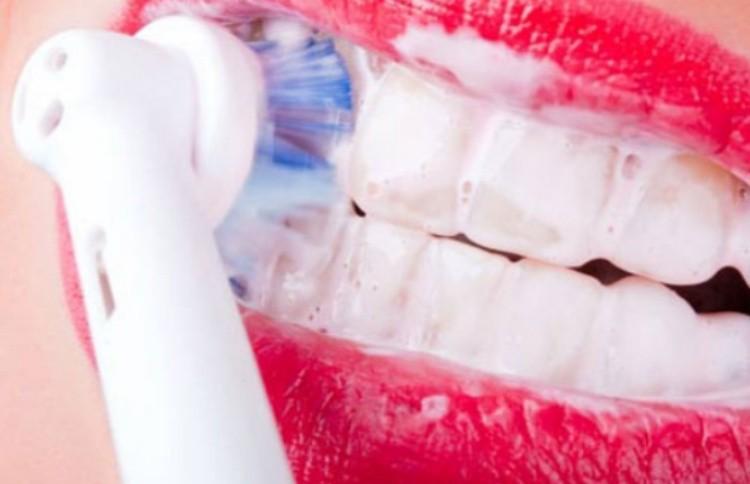 ак выбрать электрическую зубную щетку